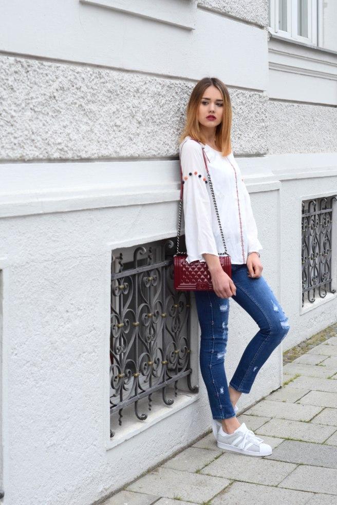 Blue Jeans White Blousse ootd 1