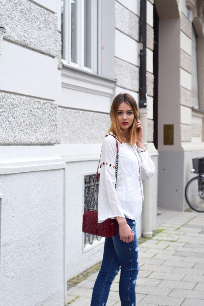 Blue Jeans White Blousse ootd 5