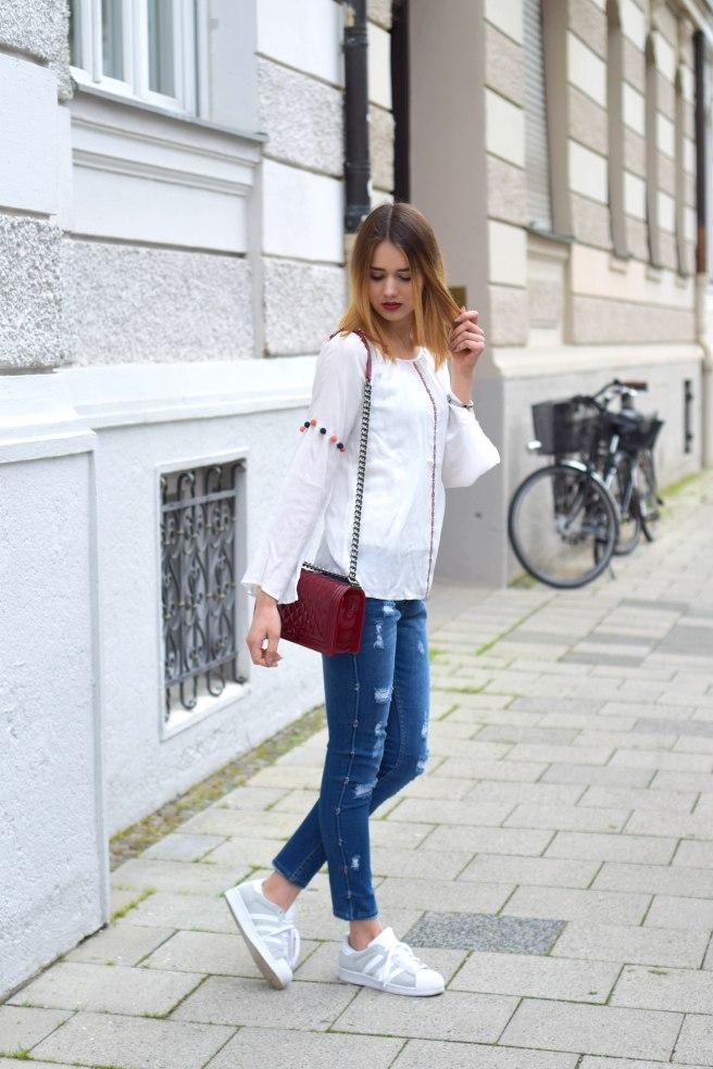 Blue Jeans White Blousse ootd 7