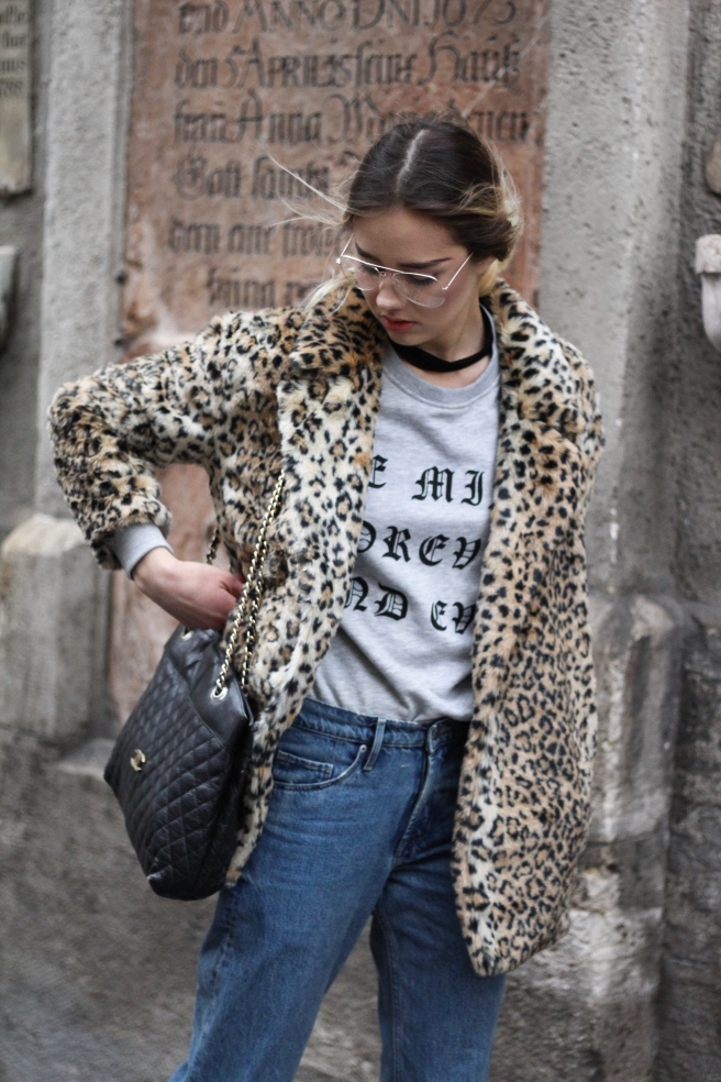 deutsche Blogger Fashionblog Munich Modeblog München Leopardenmantel Wintertrends 2017